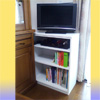 テレビ台と本棚を兼ねる家具。ありそうで無いのです。