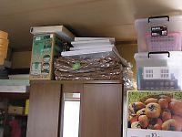 洋服タンス(たんす)にオーダー棚を作ってスッキリしたお部屋に