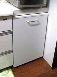 台所カウンター下、キャスターオーダー家具、格納。DT-036