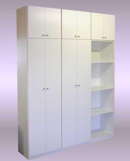作りつけ家具の様な、スリムドアのリビング収納棚・LT-030