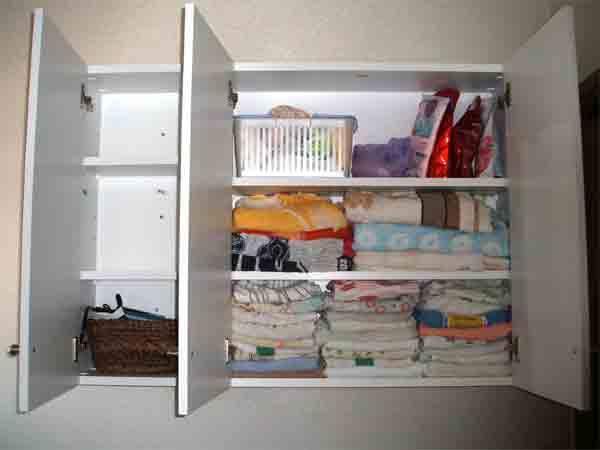 洗面所棚、脱衣所棚の設置は、吊り棚が有効-TR-009-開放写真