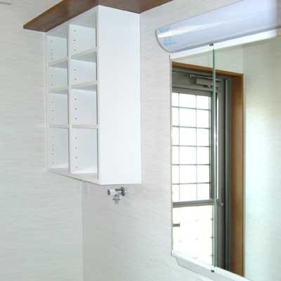 吊り棚は簡単に設置できる。TR-013-40.jpg