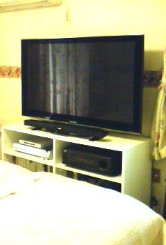 寝室用テレビ台・設置写真・TV-023
